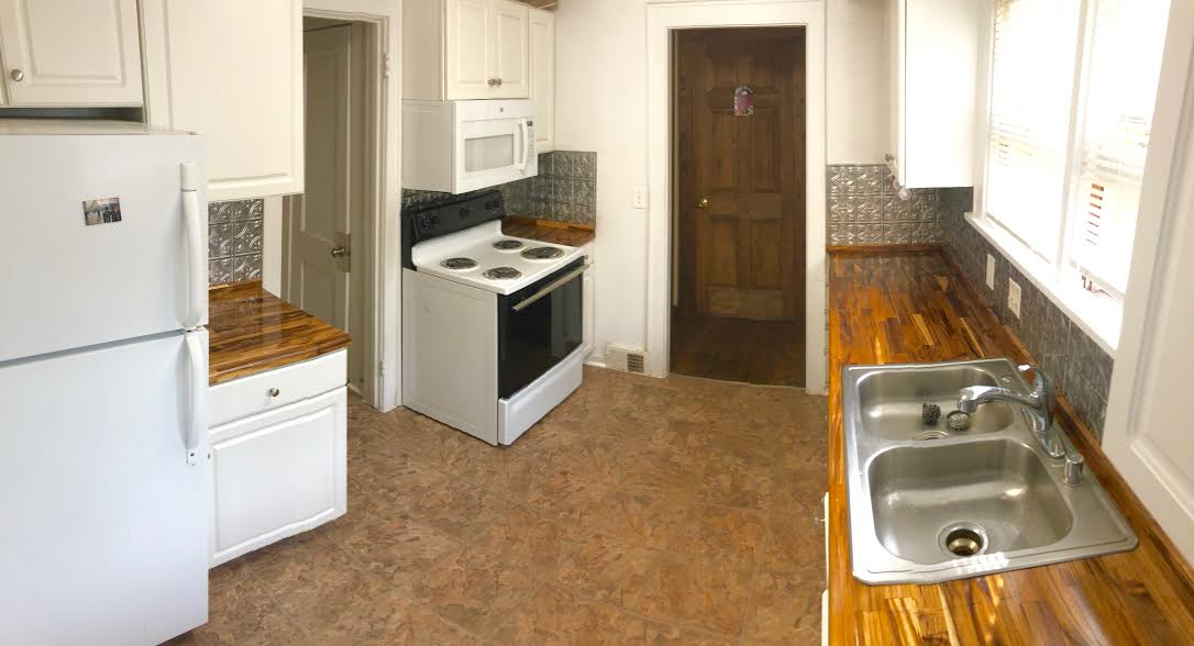 kitchen with above-stove microwave & dishwasher - Tallard ...